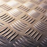 Tôle larmée aluminium